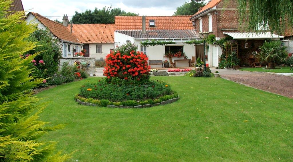 Tipos de c sped for Jardines pequenos para frentes de casas